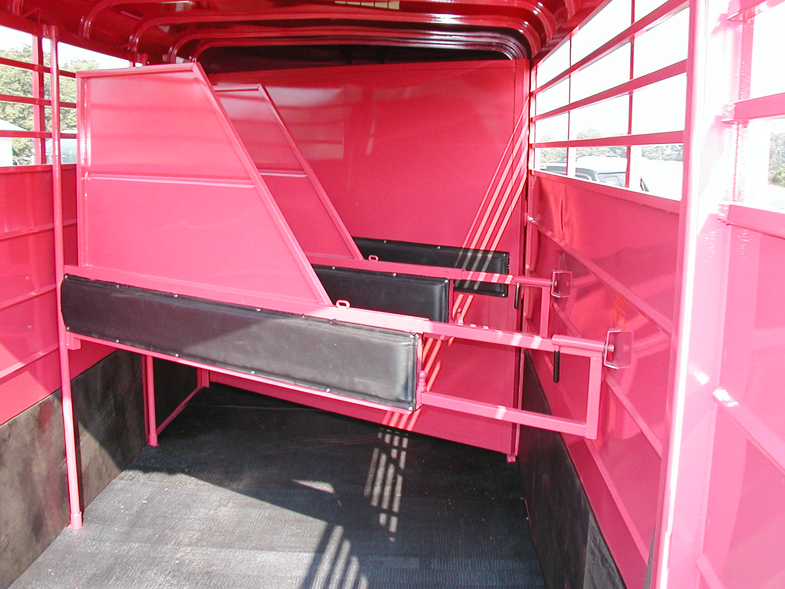 Horse Cattle Or Livestock Trailer What Is The Difference
